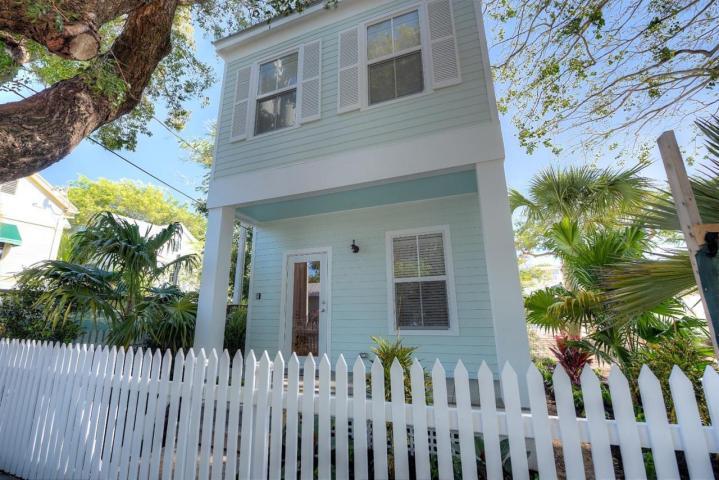1015 Simonton Street – Southernmost Cabana Resort