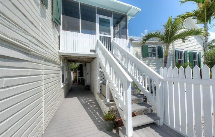 1126PearlSt-20