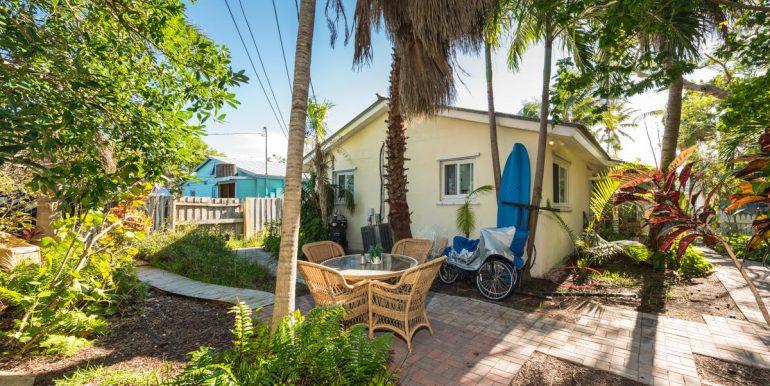 1913 Seindenberg Avenue  Key West, FL 33040