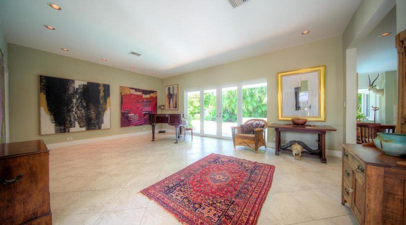 living area, 900 Johnson St