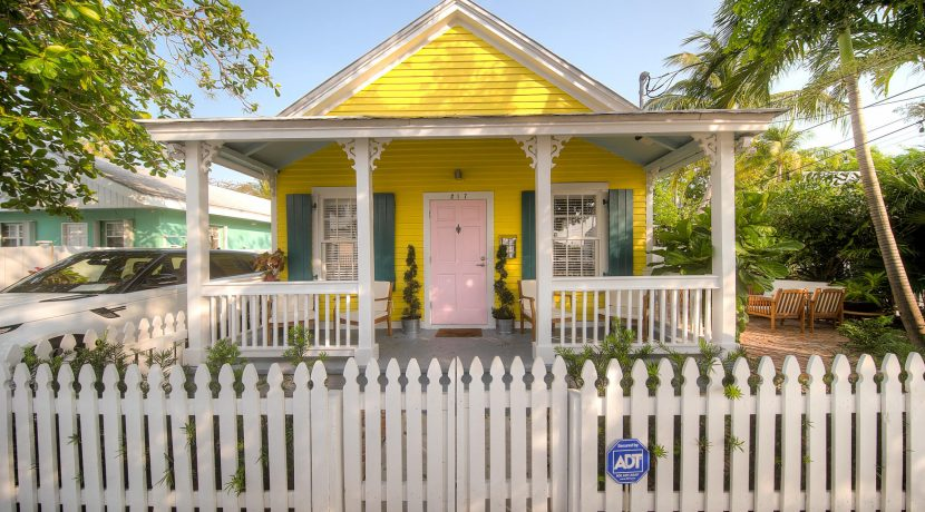 As seen on HGTV's Island Life, this Key West Charming Cottage