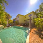 This 2 story townhouse located in the heart of Old Town